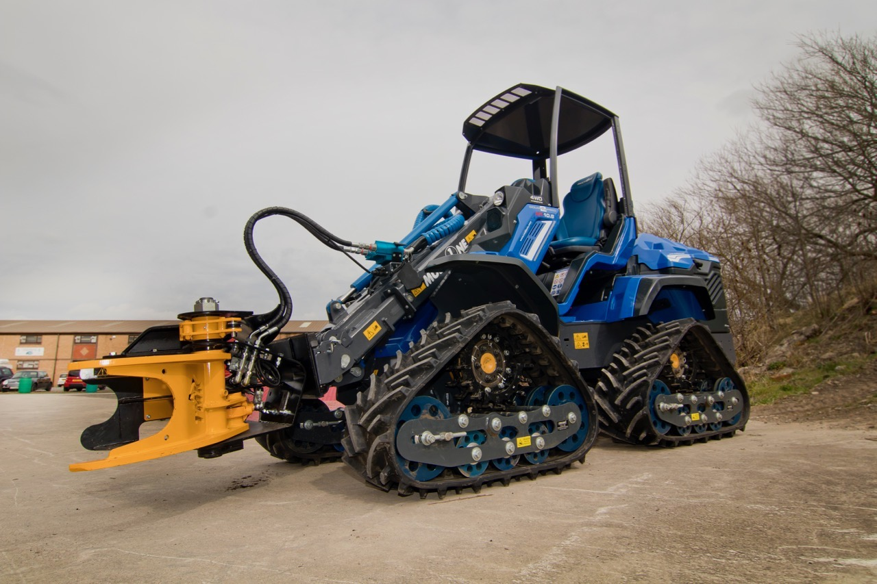 Tracked Drive MultiOne Loader